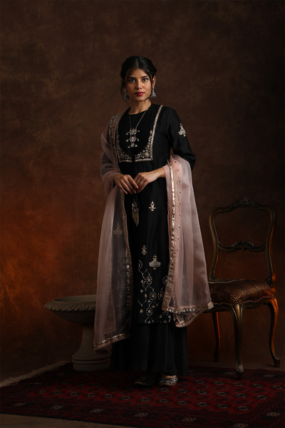Stunning & Exquisite Black Embroidered Kurta Set (YMN-15)