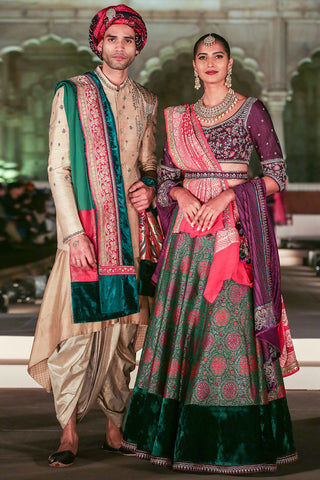 Ravishing & Royal Emerald Green Brocade  Lehenga Set ( KZ-11 )
