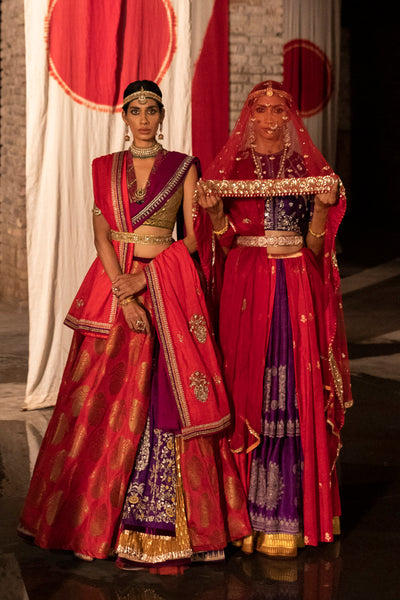 An edgy yet traditional ruby & jamuni embroidered lehenga set (LS-10)