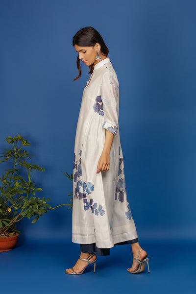 Fern-leaf Printed Kurta With Contrast Trim On Collar. Ivory
