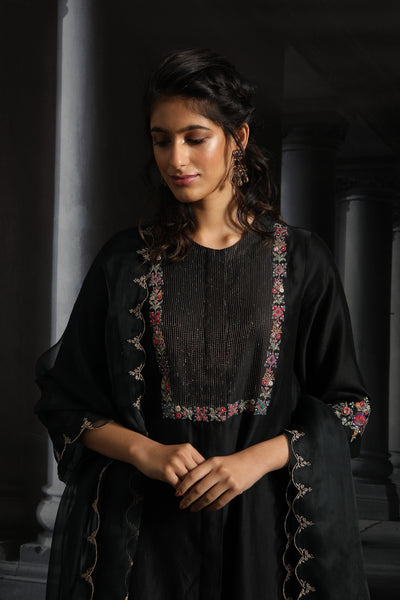Asymmetrical Embroidered Kurta Set( EM-01/BLACK )
