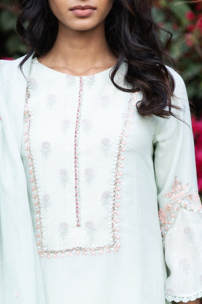 AQUA THIN CHANDERI EMBROIDERED KURTA SET ( NR-12 )