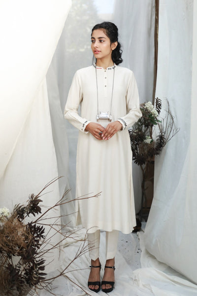 IVORY MINIMALISTIC STRAIGHT KURTA WITH THREAD EMBROIDERY ( ALFZ- 05B )
