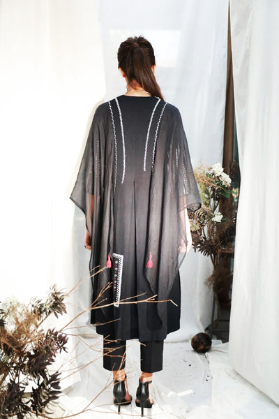 BLACK EMBROIDERED STRAIGHT KURTA WITH SIDE SLITS & WINGED SLEEVES  ( ALFZ- 04 )