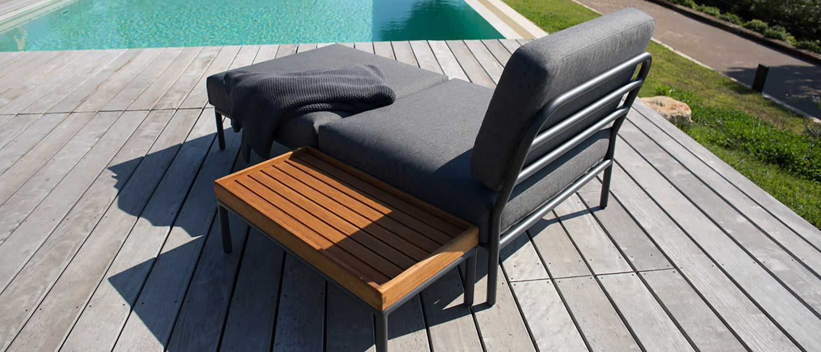 LEVEL Outdoor Lounge Side Table