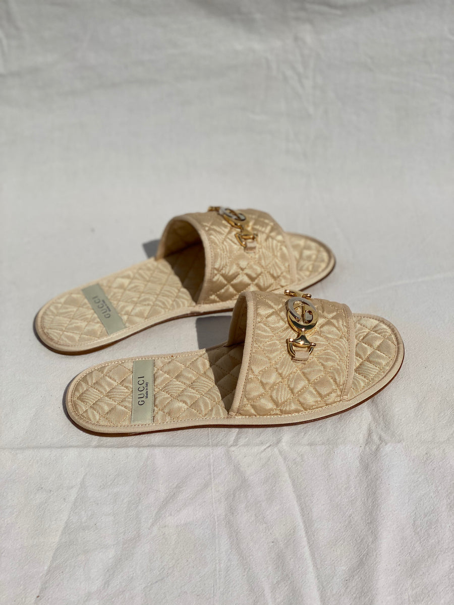 Gucci Beige Quilted Slippers - 37