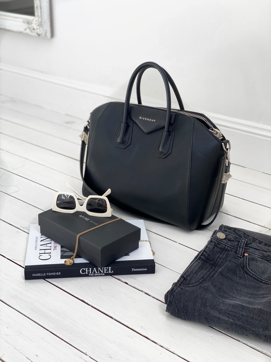 Givenchy ANTIGONA medium black bag