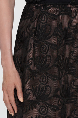 Skirt in embroidered 3D mesh