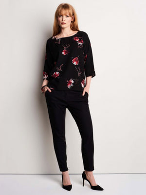 Top with three-quarter sleeves and romantic print