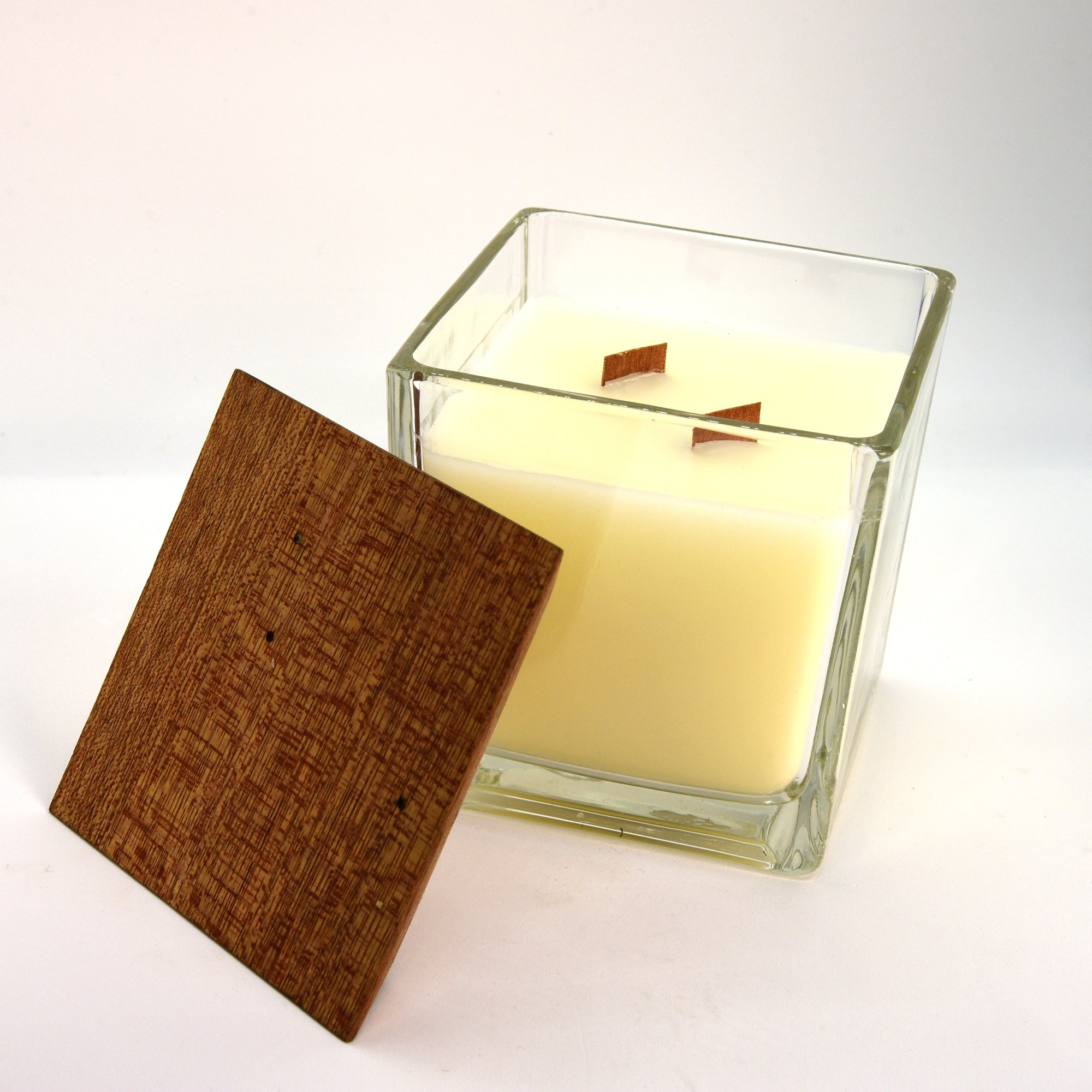 Fragranced and wooden wick Candle (Square with Wooden Top 8cm)
