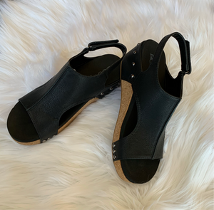 Volta Black Wedges