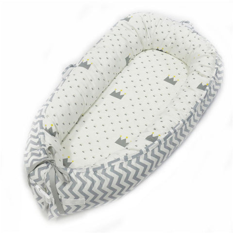 Double-sided Baby Nest for Newborn Baby - the cozzee project