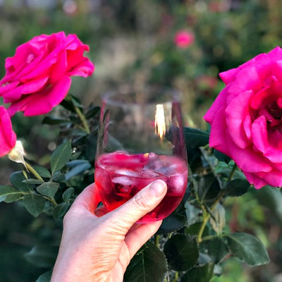 Fossey's Rose Petal Gin & Tonic hand-crafted with our organic edible rose petals.