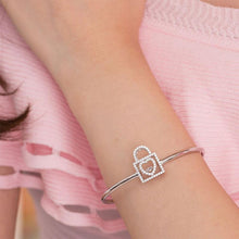 Load image into Gallery viewer, Rebel. Heart Lock Dancing Stone Bangle Solid 925 Sterling Silver Good for Bridal Bridesmaid Gift XFB8011