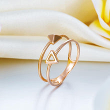 Load image into Gallery viewer, Solid 18K/750 Rose Gold Triangle Pattern Ring