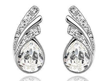 Load image into Gallery viewer, 1.5 Carat Pear Cut Stone Earrings XE469