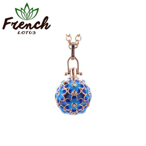 Aromatherapy Necklace Diffuser Pendant | French Lotus