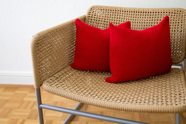 Strikk Seed Stitch Cushion (Red)