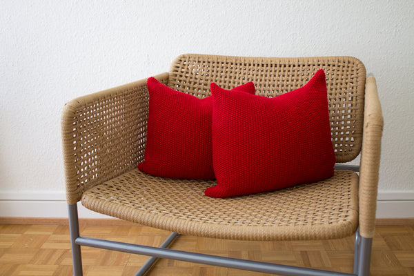 Seed Stitch Knit Cushion (Red)