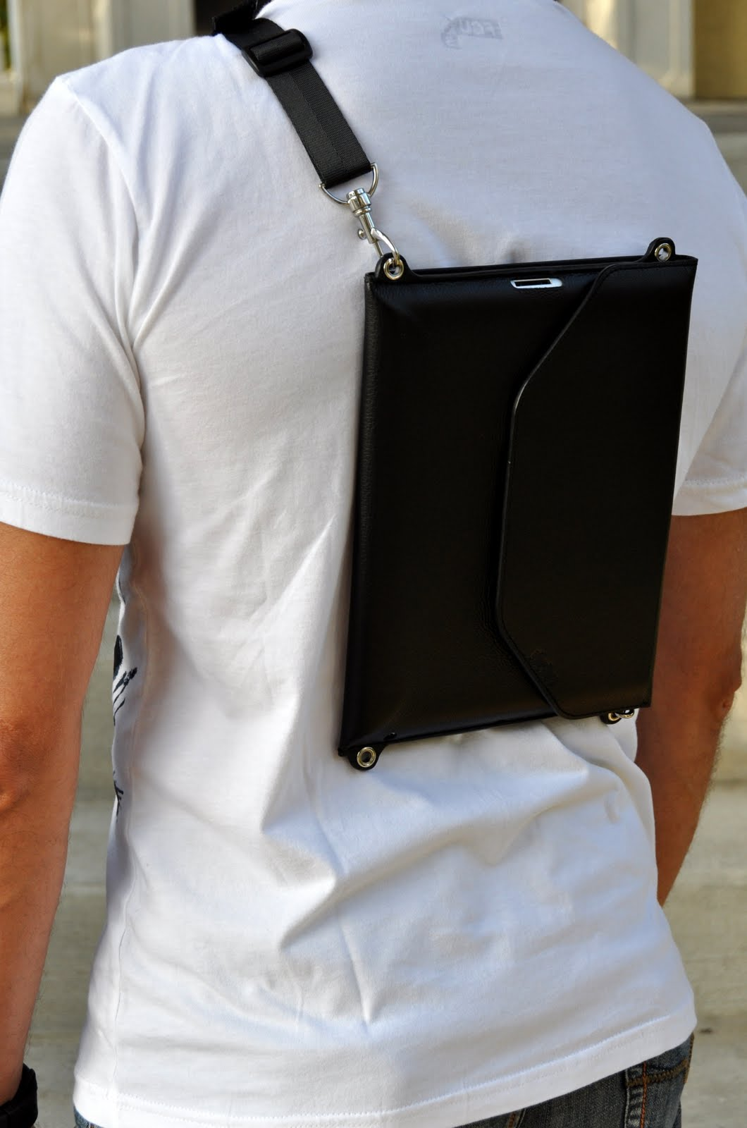 Across as a slim backpack for iPad