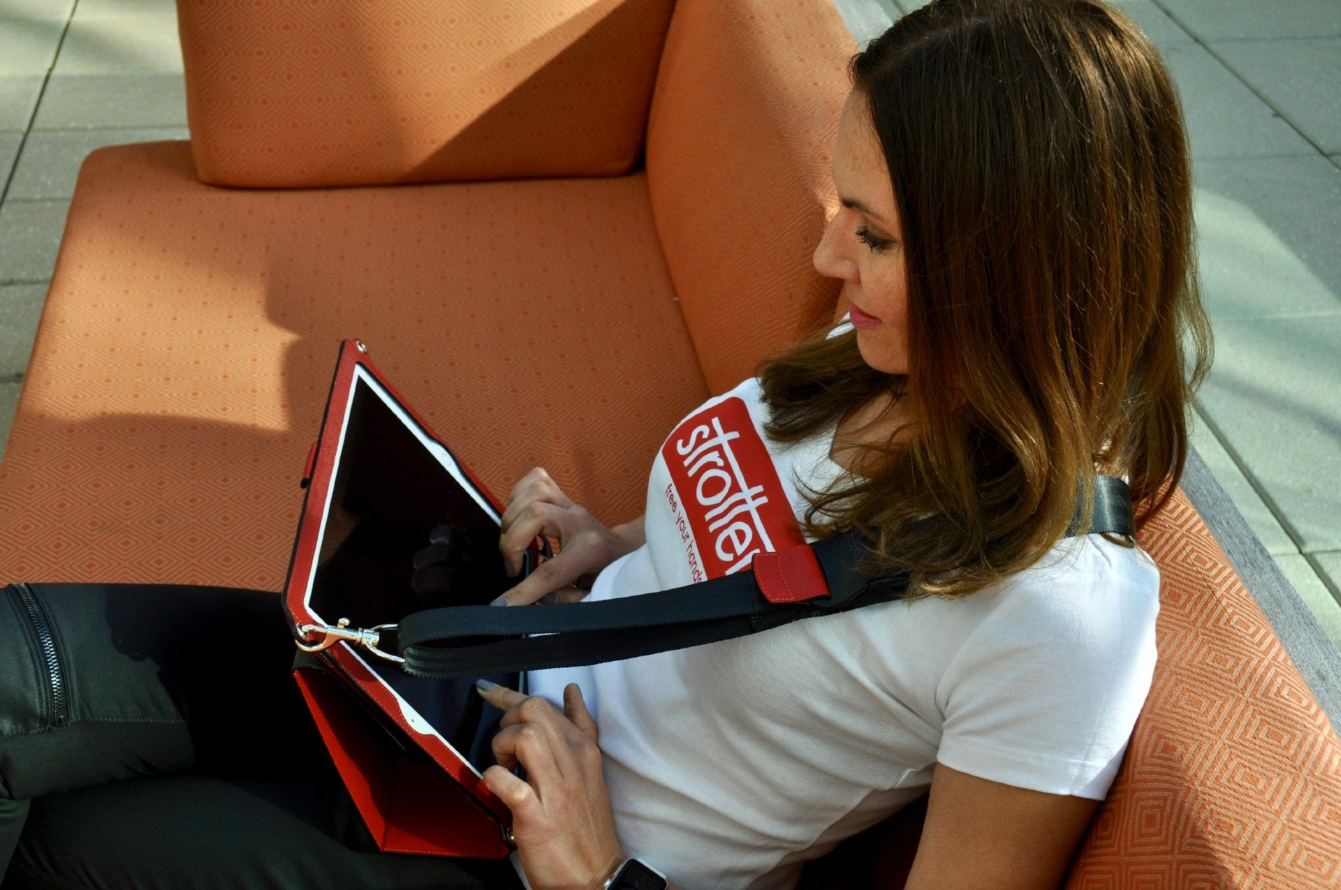 Mobile desk for iPad - free your hands!
