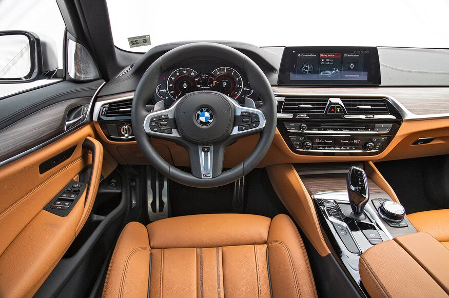 2018-BMW-M550i-xDrive-dashboard-clarksoff