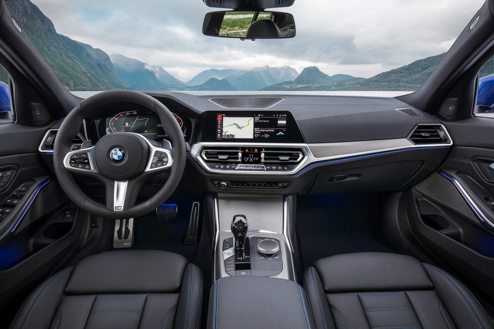 BMW 3-Series 2019 interior