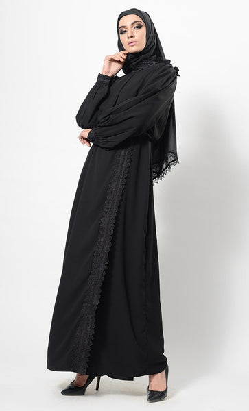 Eyes on Sleeve abaya + Free Hijab