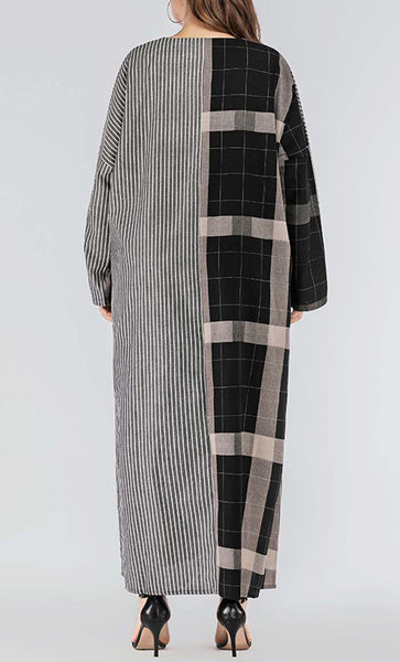 Mackenzie With Pin Strip Printed Abaya - Black - *Size Up*