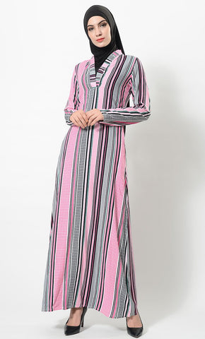products/Stack_of_lines_printed_abaya-AJ1086-front-zoom.jpg