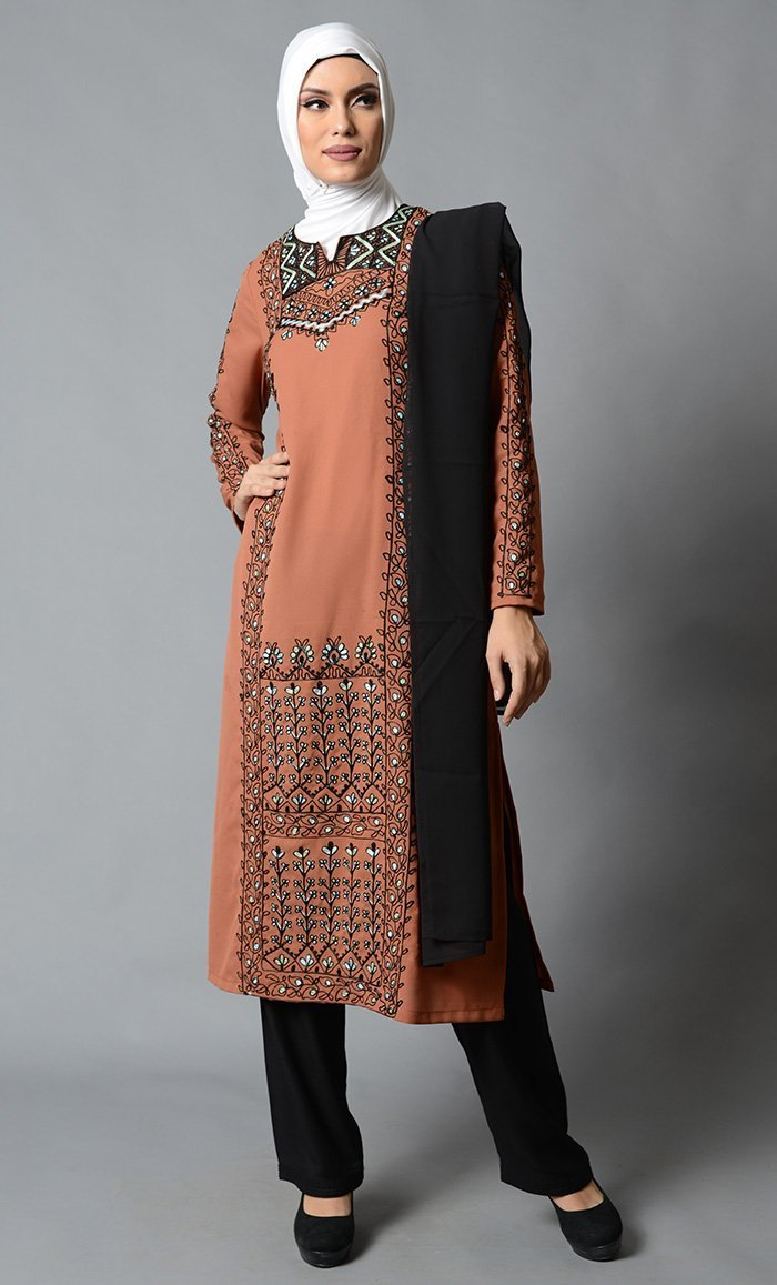 Everday Moss Crepe Embroidered Salwar Kameez Set