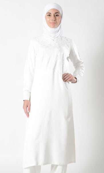 Embroidered Extra Long Hajj Umrah Tunic_White_Front_View