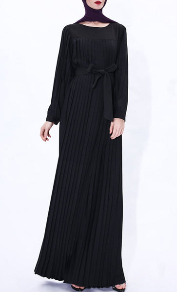 Pleated Detail Winter Abaya-Black - EastEssence.com
