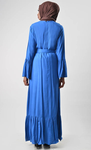 Simple Is Classy Abaya - EastEssence.com