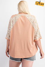 Load image into Gallery viewer, Soft Poly Cotton Animal Print Mix Loose Fit Top