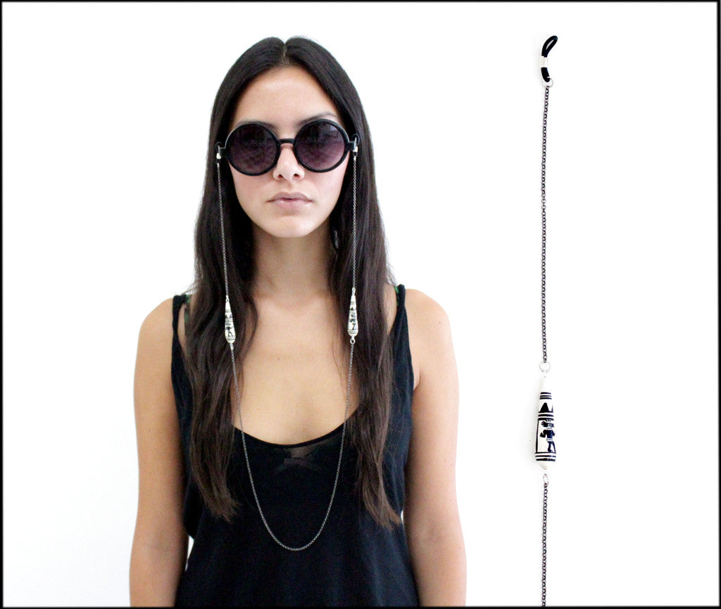 Sunnies Chain/Black Llamas
