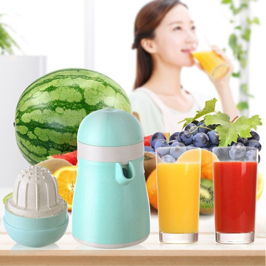 Creative Orange Lemon Fruit Juice Squeezer Portable Multifunction Household Manual Hand Squeezer Bottle
