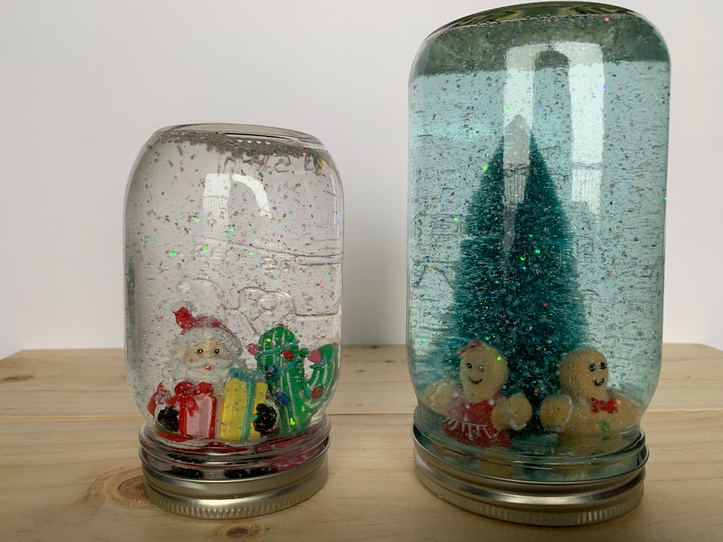 DIY Christmas Snow Globe | Christmas Decorations