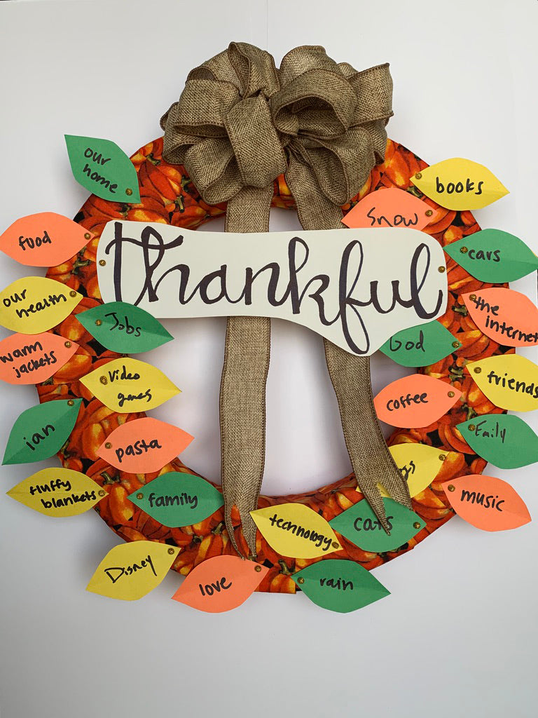 DIY Family Thankful Wreath | Thanksgiving Craft
