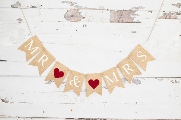 Red Heart Mr & Mrs Banner | Wedding Decor