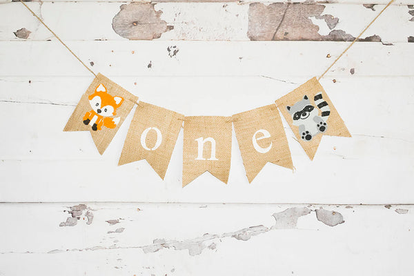 Woodland Birthday Decorations, Woodland 1st Birthday Banner, Fox Highchair Banner, Raccoon Garland, Woodland Banner, B680