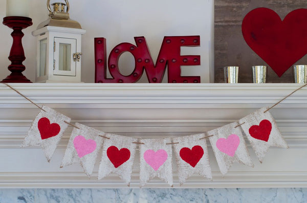 Valentines Day Decor, Valentines Day Banner, Pink and Red Heart Banner, Love Hearts Banner, B253