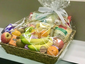 Fruits and goodies Hamper