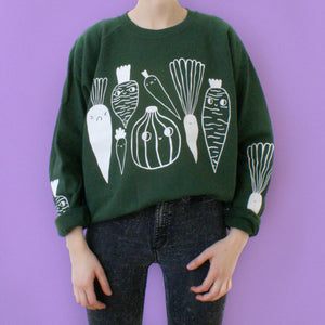 FOREST GREEN Veggie Sweater by Eva Stalinski model picture