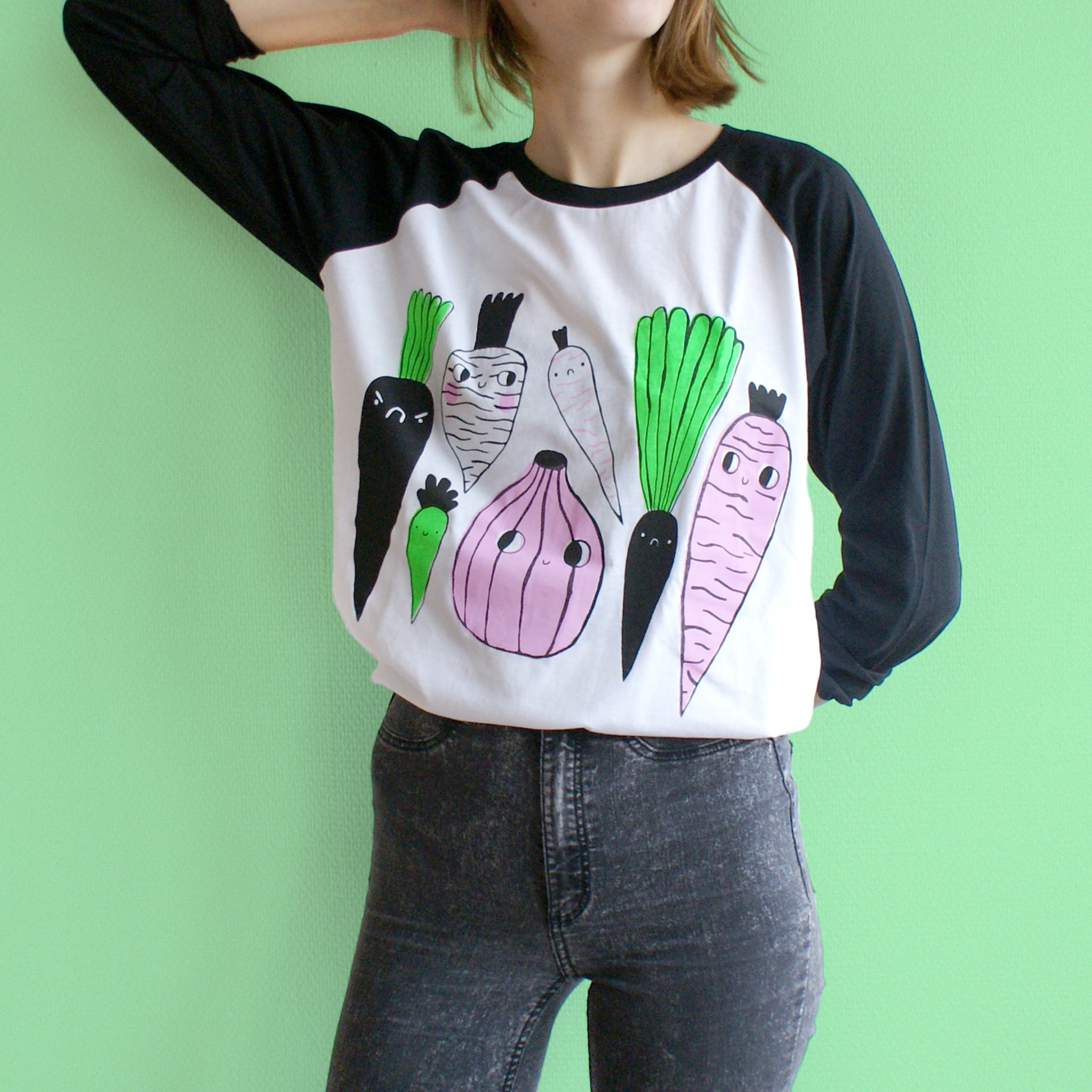 IMPERFECT 3 Color Veggie Raglan Baseball Tee in Black and White