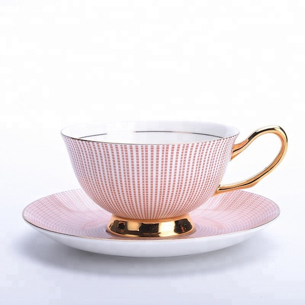 Set of 4 Tea Cups and Saucers - Tily Tea