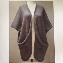 Load image into Gallery viewer, Oritatami Vest Knitting Kit | ITO Kinu, Rowan Kidsilk Haze & Knitting Pattern (#312)