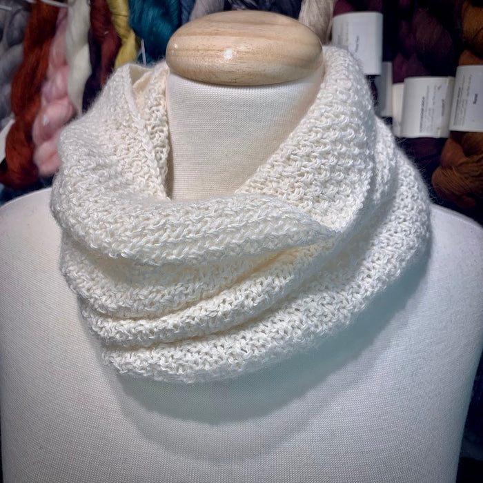 Cardiff-Ito Cowl Knitting Kit | Cardiff Small Cashmere, Ito Kinu & Knitting Pattern (#361)