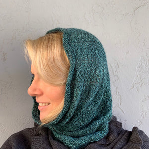 Vertical Feather & Fan Cowl Knitting Kit | Hand Maiden Camelspin & Knitting Pattern (#192F)