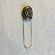 Load image into Gallery viewer, Kilt Style Shawl Pins